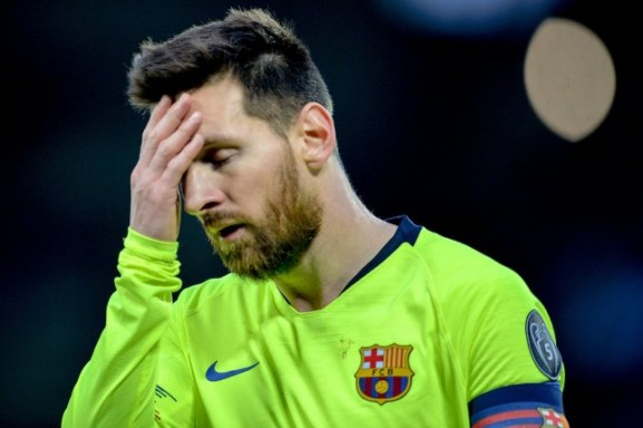 Messi 6 ildir, səfərdə qol vura bilmir